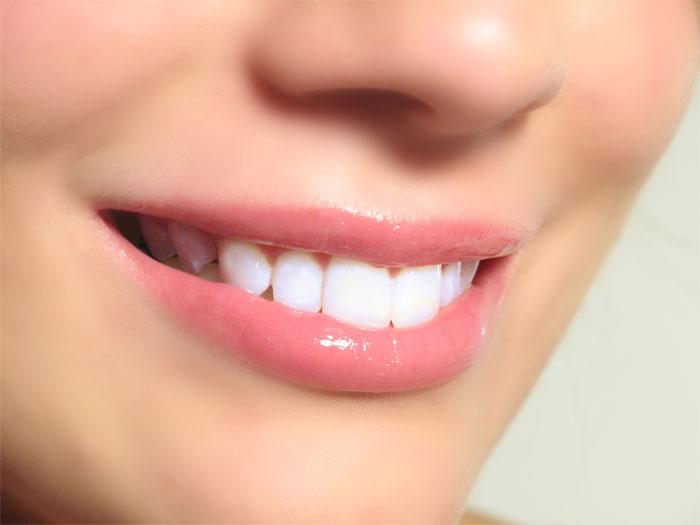 Как сделать зубы здоровыми и красивыми